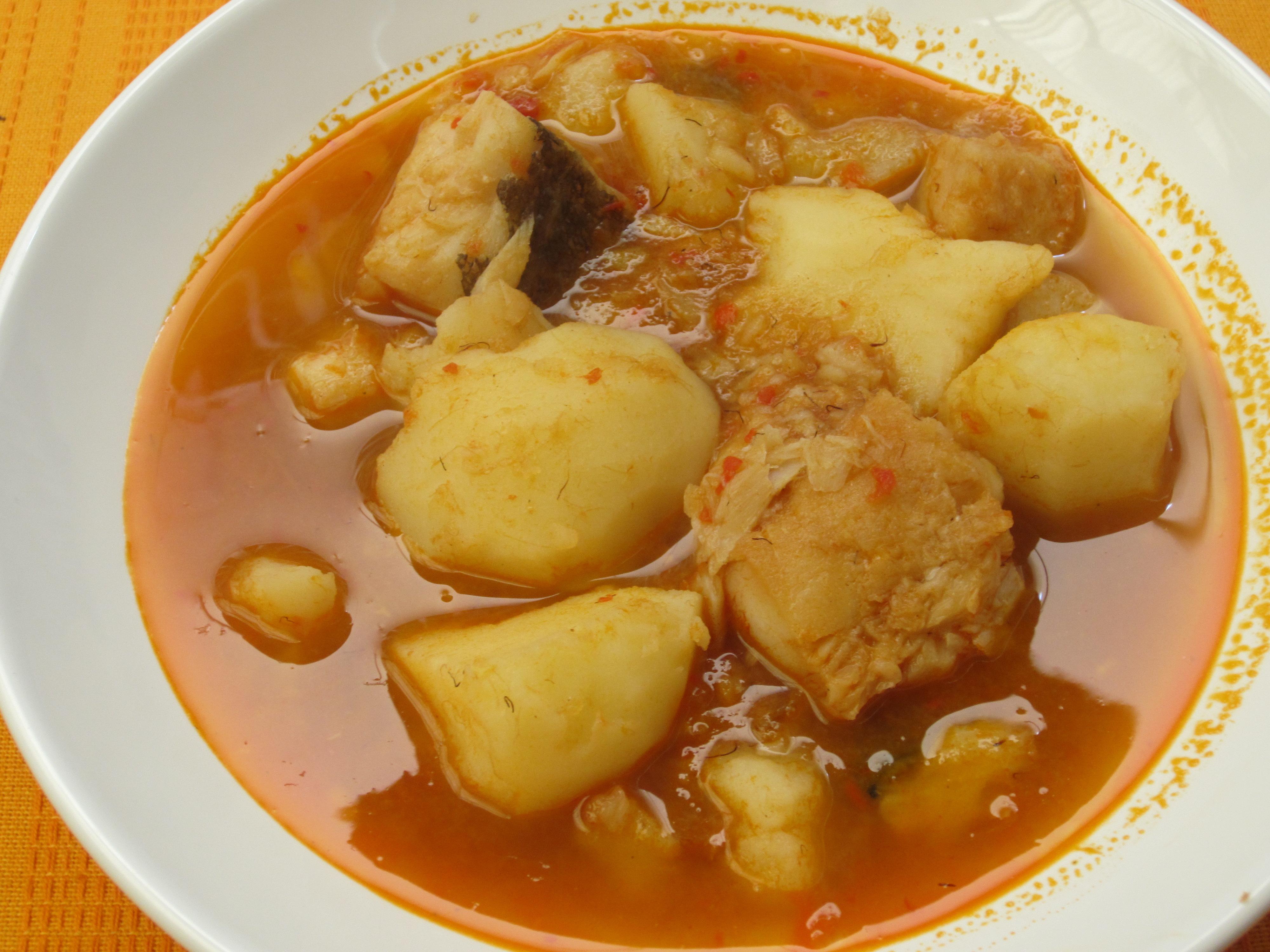 Guiso de patatas con bacalao entre clavo y canela for Cocinar cocochas de bacalao